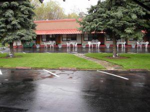 Capricorn Motel Royale, Canada